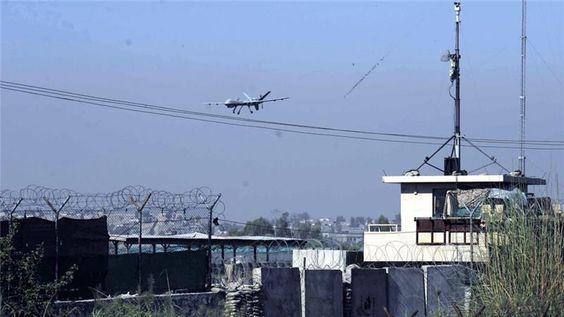 """Keluarga Afghanistan yang menjadi korban serangan drone AS menuntut penyelidikan  KABUL (Arrahmah.com) - Kerabat dan tetua suku di Afghanistan tenggara menuntut penyelidikan atas pembunuhan 17 orang oleh pesawat tak berawak AS pekan ini mengatakan bahwa serangan udara menghantam warga sipil bukan anggota kelompok bersenjata.  Para pejabat militer AS mengklaim pada Kamis (7/4/2016) bahwa dua serangan udara di provinsi Paktika dekat perbatasan Pakistan hanya menargetkan """"militan"""".  Para…"""