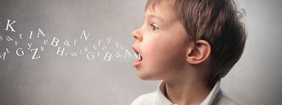 ¿Cuándo debo llevar a mi hijo/a al logopeda? Te enseñamos a identificar aquellas señales de alerta para llevar tu hijo a un especialista enlogopedia.