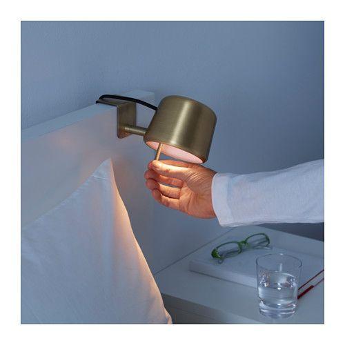 Varv La Mini Lampe Ikea S Accroche A La Tete De Lit Lampe De Chevet Ikea Lampe Ikea Tete De Lit Sous Pente