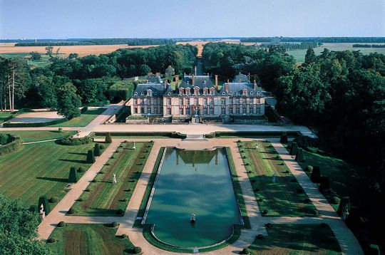 Chateau de Breteuil, in the Parc naturel regional de la Haute Vallee de Cheveuse,
