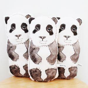 Doudou Rebecca Kiff // Shopping #panda sur ptitebanane.com #deco #enfant  #kids #kidsroom #kidsberoom