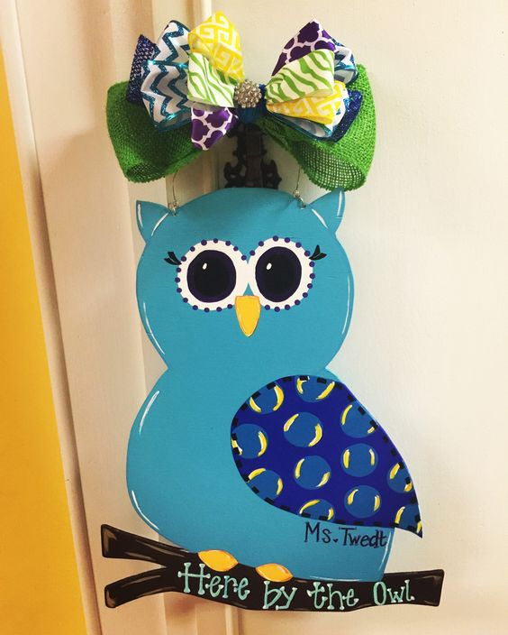 Loved, making this owl door hanger for a friend!!!🤓💜💙💚