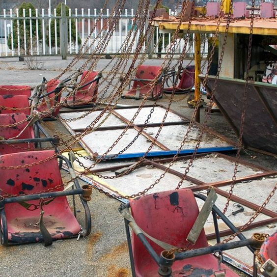 Album of photos: Abandoned amusement park in Tennessee
