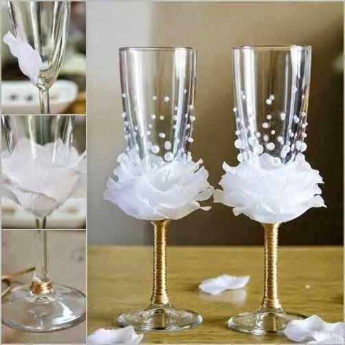 É hoje a festa!: Taça para brinde decorada                                                                                                                                                     Mais