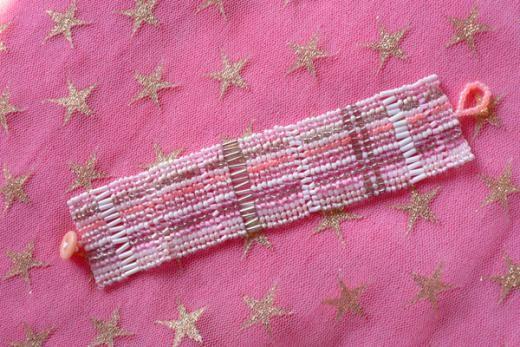Bracelet perles de rocaille rose blanc