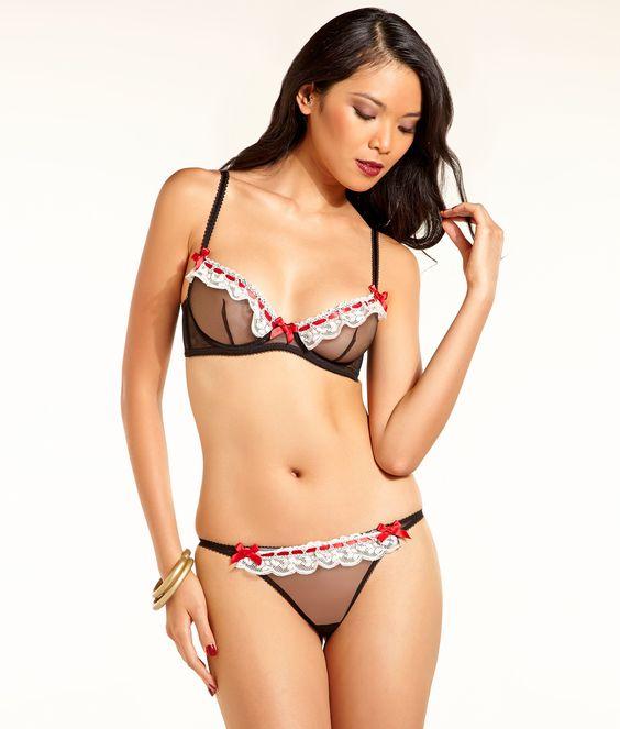 Philippine model Meki Saldaña