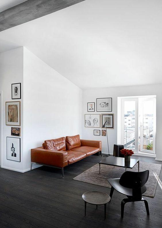 gestaltungsmöglichkeiten wohnzimmer ledersofa schwarze möbel, Wohnzimmer