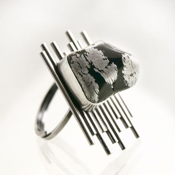 0085 - silver ring with snow obsidian