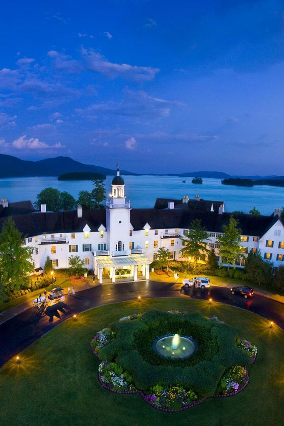 The Sagamore is a 350-room resort situated on a private 70-acre island on Lake George at Bolton Landing, in the heart of the Adirondack Mountains. A four-hour drive from New York City and Boston, the Sagamore is a popular weekend trip from the city. ( U.S.A )