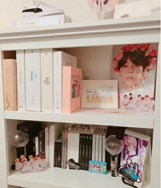 Pin By Somebody On Aesthetics Concepts Army Room Decor Army Room Bts Merch