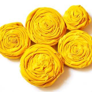 Basic fabric flower.  #flower #diy #fabric