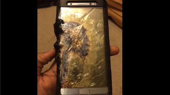 Galaxy Note 7: Owners advised not to use on planes - BBC News