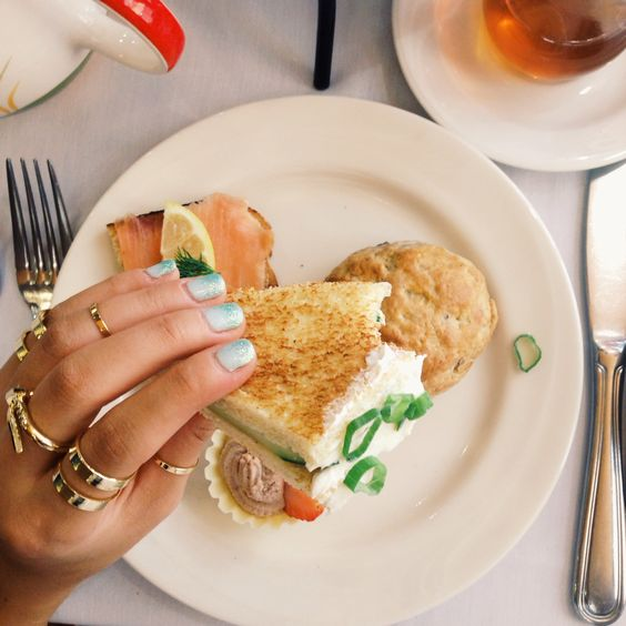 Afternoon tea with my favorite #icco rings ☕️ #iccoaccessories #afternoontea #teatime #lunch #instafashion #iigdaily #rings #cute #trendy #fashion #weekend #jewelry #accesories #wholesale