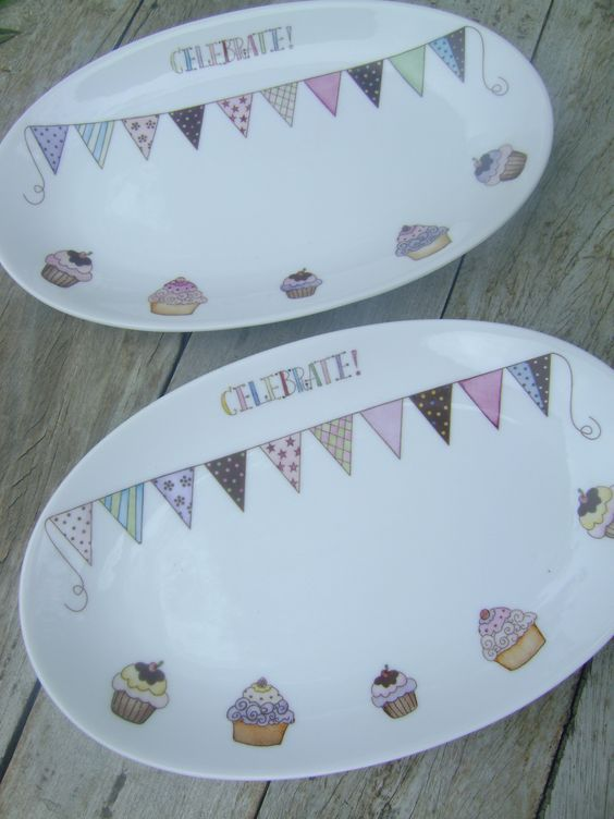Platos de porcelana pintados a mano!  https://www.facebook.com/pages/Le-Cauri/177526982408096