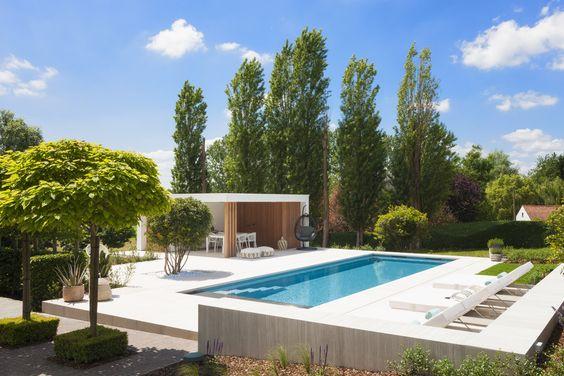 Adembenemend mooie realisatie met zwembad, tuin en poolhouse badend in 'Ibiza sfeer' ‹ De Mooiste Zwembaden