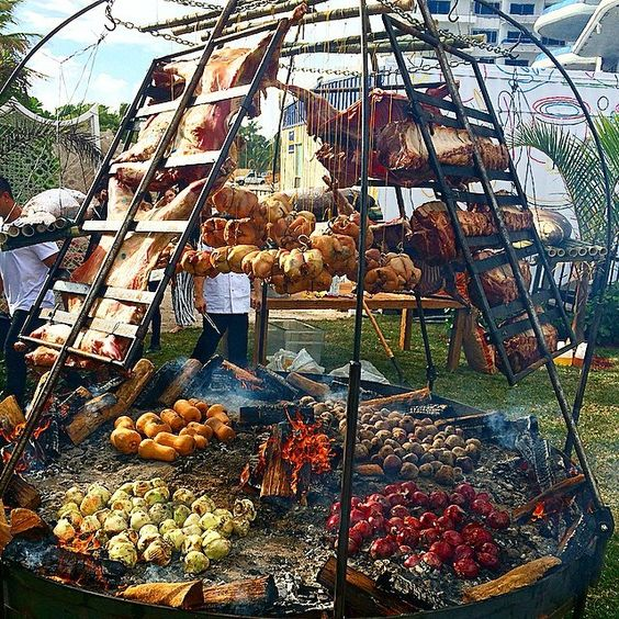 More francis mallmann outstanding bbq 39 gear pit fire - Barbecue argentin ...