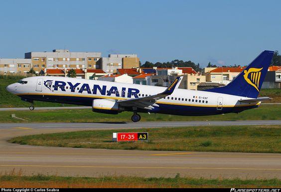 EI-EKF Ryanair Boeing 737-800