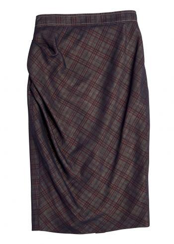 Klassik trifft auf Raffinesse. Unser Modell Lolo überzeugt durch eine wunderschöne Raffung an der Seitennaht und zaubert eine feminine Silhouette. Passend hierzu ist der Blazer Vivi erhältlich.  Material: 87 % Schurwolle, 10 % Polyamid, 3 % Baumwolle