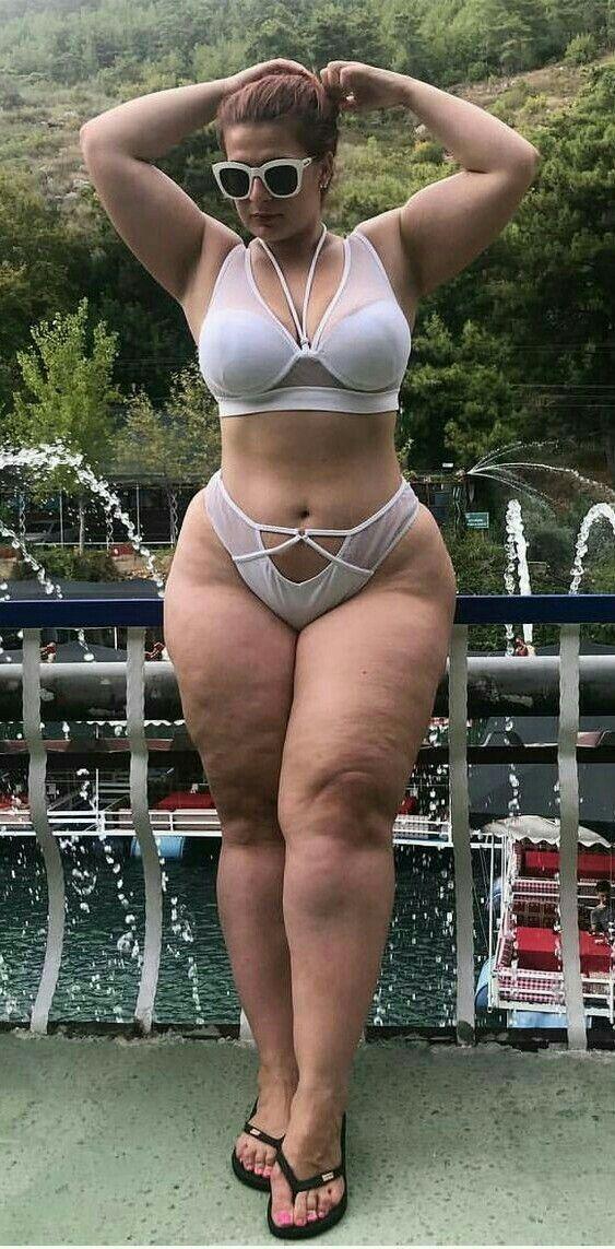 Top 10 Plus Size Swimsuits Models Plus Size Fashion Trends Chicas En Bikini Estilo De Chica Con Curvas Hembras Hermosas