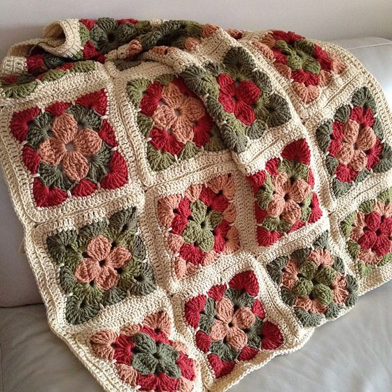 Ravelry: Project Gallery for Tricolor Square pattern by Jan Eaton 200 Crochet Blocks by Jan Eaton Paperback Interweave published in September 2004: