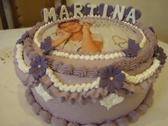 Torta crema y lámina impresa comestible de papel de arroz.............estilo Violetta