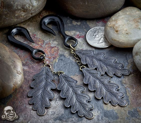 Patina brass double oak leaf design