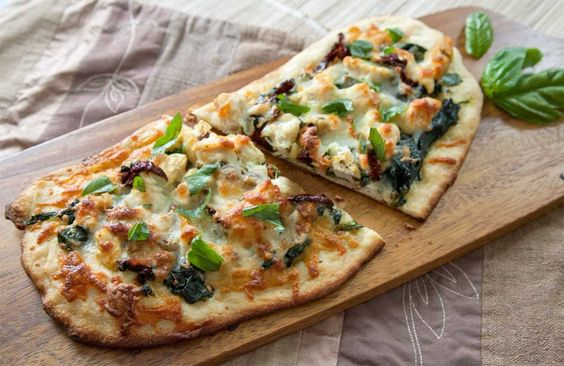 Homemade Rustic Pizzas: Chicken, Garlic, Spinach & Sundried Tomatoes | The Artful Gourmet