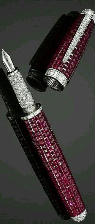 stylo de luxe bordeaux