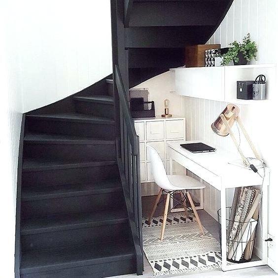 Bureau Sous Escalier Bureau Sous Escalier With Bureau Sous Escalier Bureau Sous Escalier Ler Bureau Sous Escalier Petit Espace De Travail Deco Maison