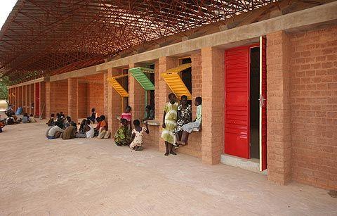 http://urbantent.blogspot.fr/2009/09/gando-primary-school-francis-kere.html