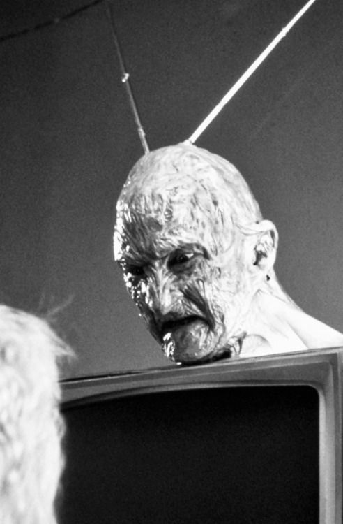 I've been messing with this antenna all day and I still can't get the channel 5 local news.  #horror