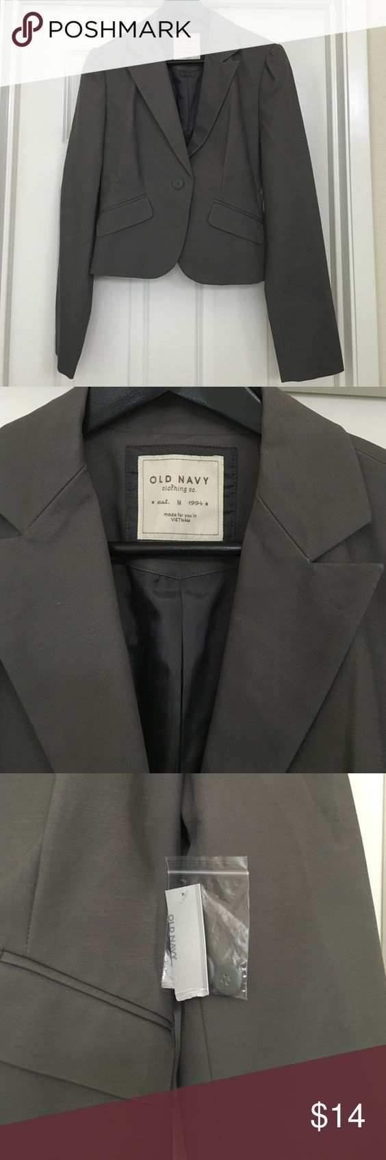 Blazer🆕 Grey Old Navy Blazer. Never has been worn still with tags attached. Great to be worn with dress pants or dressed down with a t-shirt and jeans. Jackets & Coats Blazers