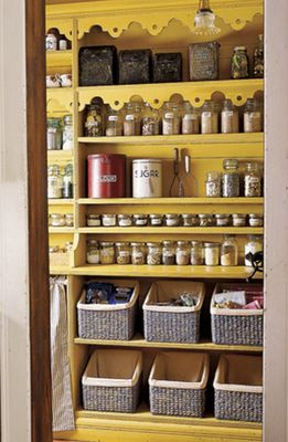 5 steps to organize your pantry.