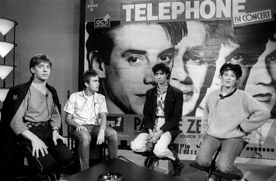 7767815485_les-membres-du-groupe-de-rock-telephone-le-8-octobre-1984.jpg 2000×1314 pixels