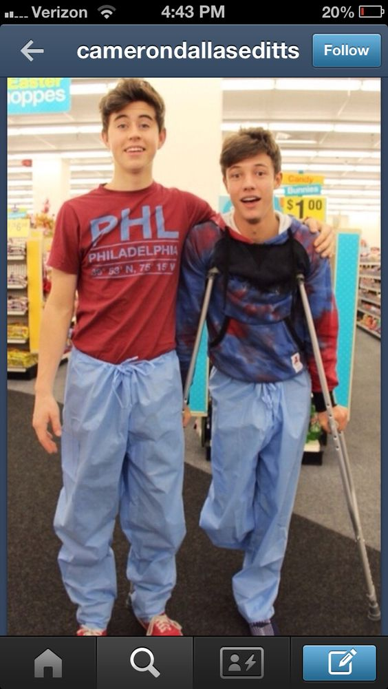 Nash Grier And Cameron Dallas After Cameron Cut His Foot ...