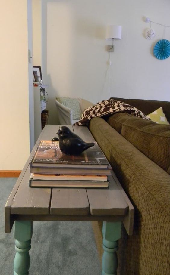 Couch table made out of a pallet tutorial on link are we for Sofa table tutorial