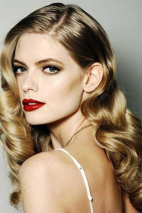 7.Party Frisur für lockiges Haar