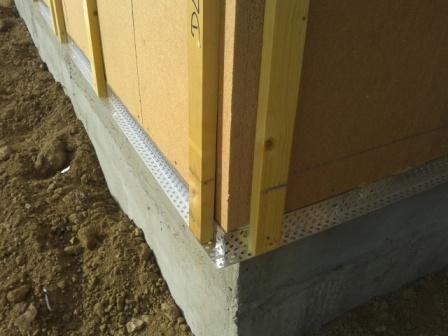 D tails de l 39 isolation ext rieur de la grille anti for Habillage bois exterieur