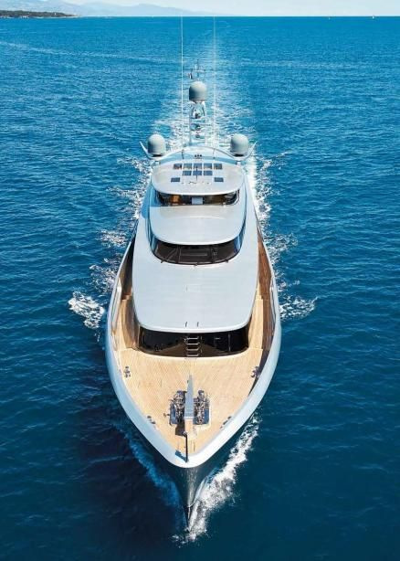 Lady May is a 46.22 m / 152.53 ft luxury motor yacht. She was built by Feadship in 2014.      With a beam of 9 m and a draft of 2.2 m, she has an aluminium hull and aluminium superstructure. This adds up to a gross tonnage of 406 tons.     She is powered by  engines  of 1,900 hp each giving her a maximum speed of 19 knots and a cruising speed of 14 knots.    The motor yacht can accommodate 10...