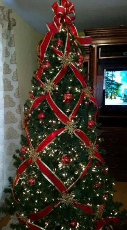 Buffalo Check Christmas Tree Ribbon On Christmas Tree Christmas Tree Decorations Ribbon Easy Christmas Decorations