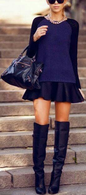 Balance de la sensualidad de una falda corta y botas por encima de la rodilla con un desgarbado, un poco más de tamaño suéter.  Read more:http://www.gurl.com/2014/11/29/style-tips-on-how-to-wear-over-the-knee-boots-outfit-ideas/#ixzz47PTI9bBO
