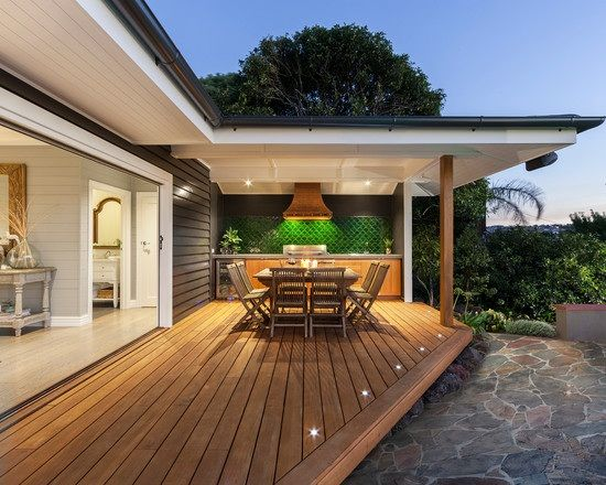 terrasse garten holz dielenboden outdoor küche überdachung - mediterrane terrassenberdachung