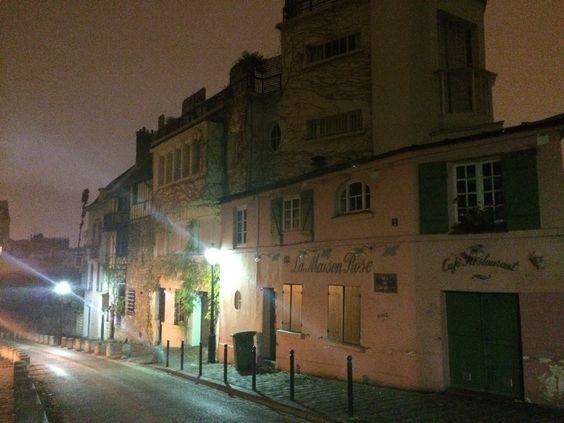 Les rues désertes de Montmartre la nuit |PARIS