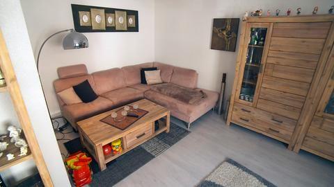 3 Zimmer Kuche Date 2 Hr Fernsehen De Sendungen Dekoracjeswiateczne Garten Wohnungkuche Wohnzimmer Hausbauen Gart Home Decor Sectional Couch Home