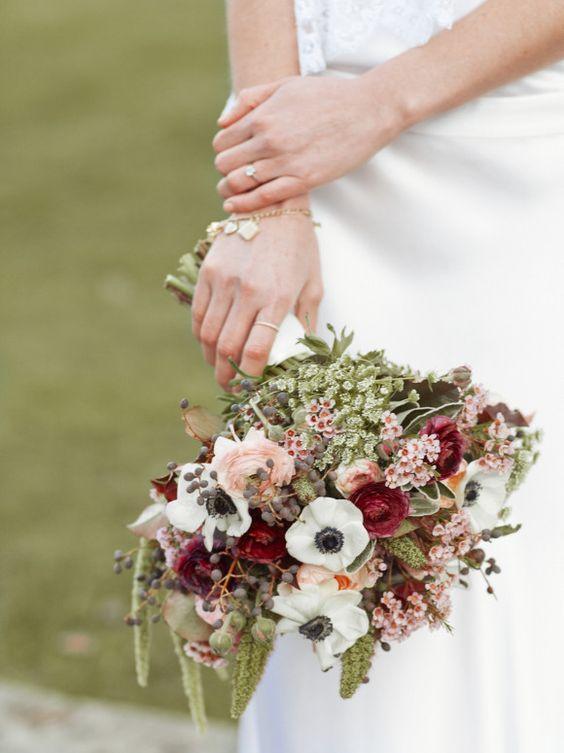 Thanksgiving wedding celebration in English countryside – Aaron Delesie Photography via Wedding Sparrow