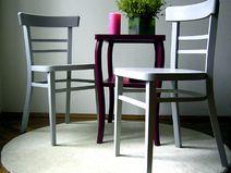 2 formschöne Holz-Stühle, Buche massiv