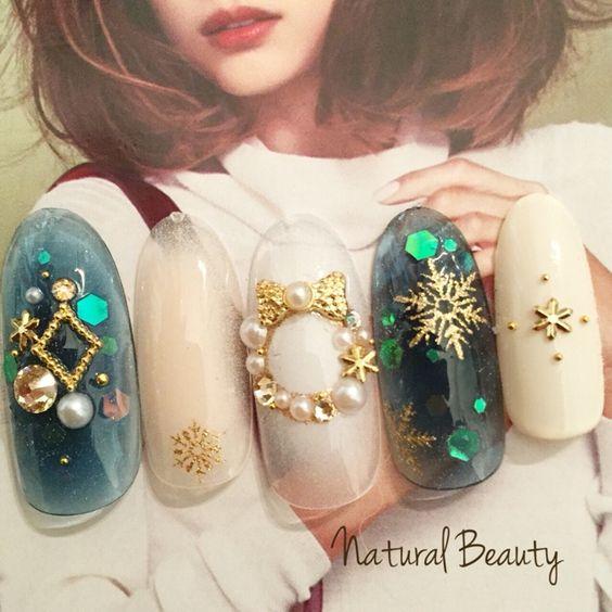 Green nail art: