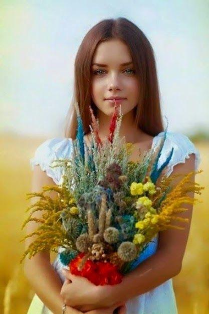MIMOSEAR               m i m s:    UM SONHO      São tuas as mais belas flores…