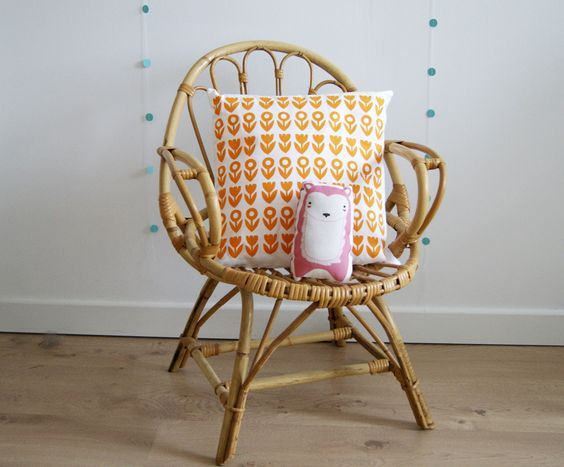 Vintage and products on pinterest - Chaise rotin vintage ...