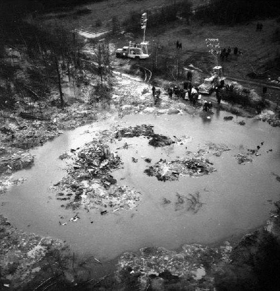 29 novembre 1963 Un #avion DC-8F dAir Canada sécrase à Sainte-Thérèse 118 morts https://t.co/ZvhIjzxUtp https://t.co/4MxRvT6XOf